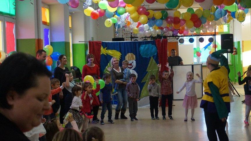 Zabawa choinkowa w Przedszkolu Miejskim w Broku