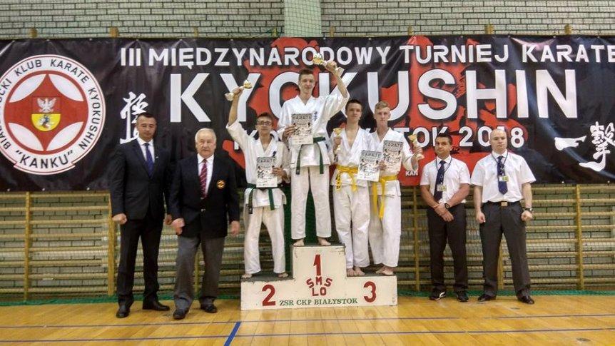 Brok na podium w Międzynarodowym Turnieju Karate