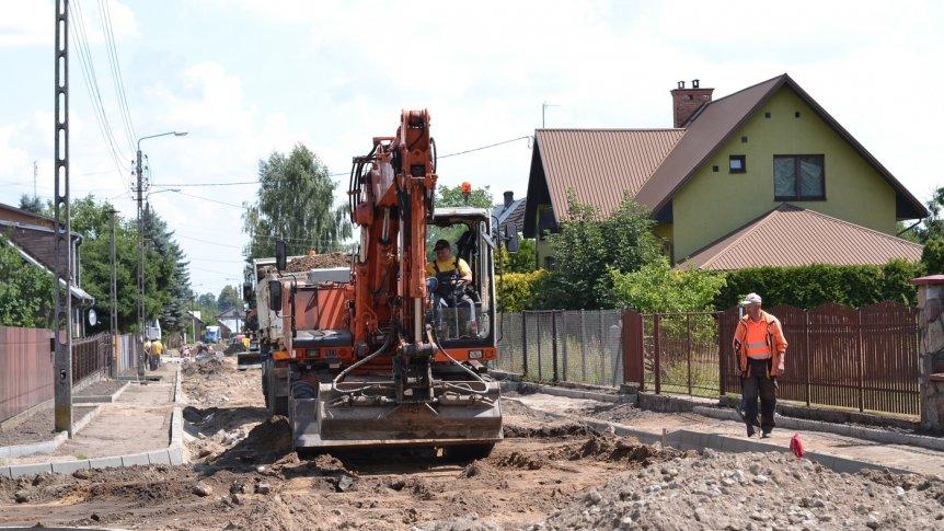 """Inwestycje drogowe w Broku idą """"pełną parą"""""""