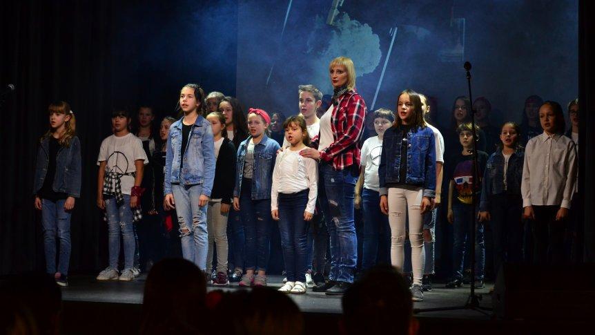 """""""Koncert Musicalowy"""" w wykonaniu uczniów i absolwentów Zespołu Publicznych Placówek Oświatowych w Broku"""