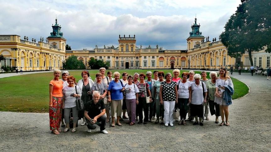 Brokowscy Seniorzy zwiedzali oraz gotowali w Wilanowie