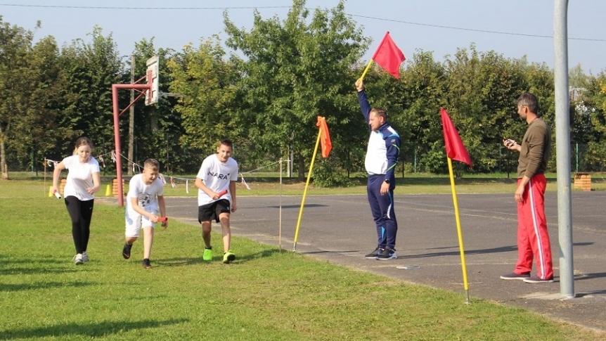 Sztafetowe biegi przełajowe w ZPPO w Broku